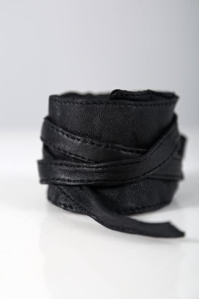 Bracelet with thick cords / Julia Fom