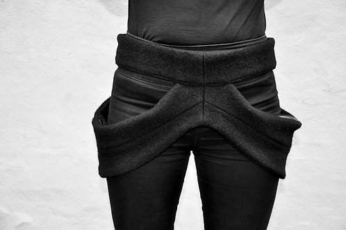 Black Storm 004 - waist bag / LÖVENDAHL by Borcher Avantgarde