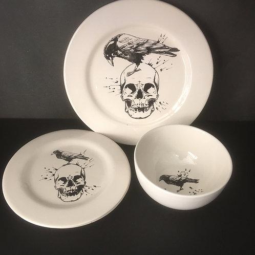 Skull & Raven Dinner Set