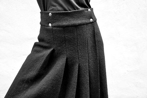 Black Storm 005 - skirt / LÖVENDAHL by Borcher Avantgarde