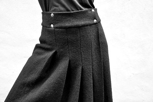 BLACK STORM 005 - SKIRT / LÖVENDAHL by Borcher Avantgarde