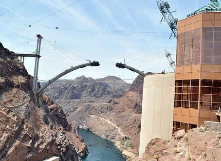 Přehrada Hoover Dam: Technický zázrak nedaleko Las Vegas