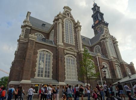 Westerkerk: Rembrandtův hrob, nejvyšší amsterdamská věž a nedaleký památník homosexuálům