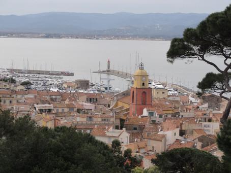 Saint-Tropez: letovisko pro boháče, posedlost umělců i domov slavného četníka