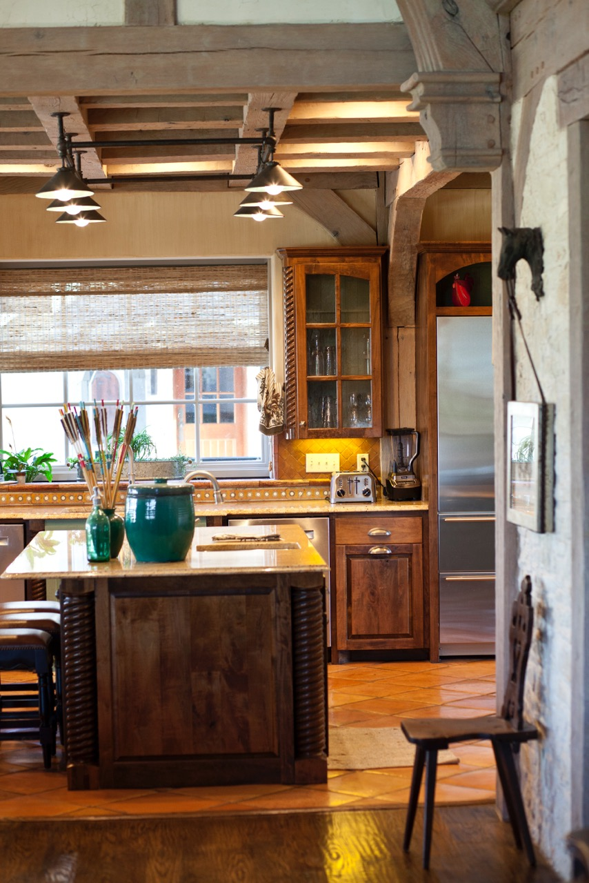 Shoreview Farmhouse Kitchen