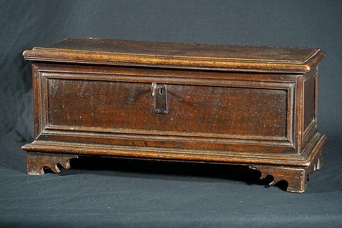 An Italian walnut desk-top cassone (jewel box), 17th/18th century (V36)