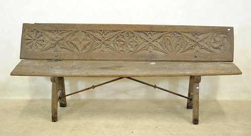 A large Spanish gothic-style carved bench, possibly 16th century  (O04)