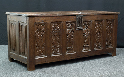 French Renaissance oak chest, First half 16th century (P03)