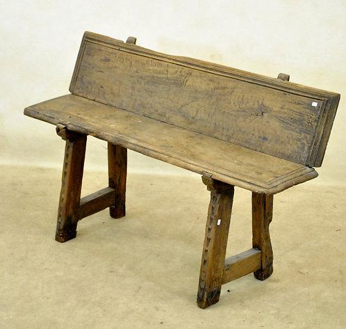 A Spanish bench, 17th century  (O05)