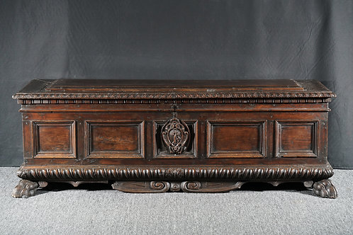 A Tuscan walnut cassone, 16th century (W02)