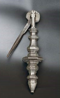 An iron door knocker, 16th century  (H17)