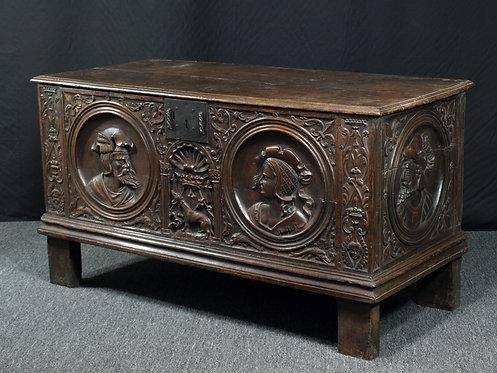 French Renaissance walnut chest, Second half 16th century (T02)