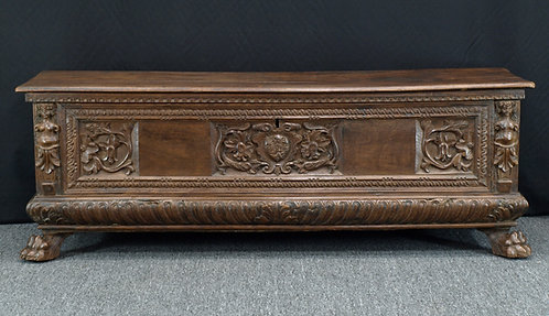 Italian walnut cassone, 17th century  (V46)