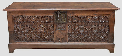 French walnut gothic chest, the front 15th/16th century (V44)