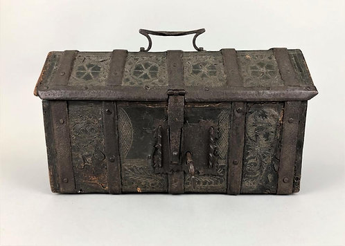 French gothic leather box, late 15th century (V20)