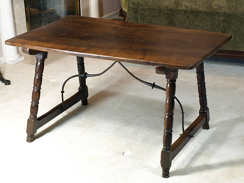 A Spanish walnut table, 17th century  (O11)