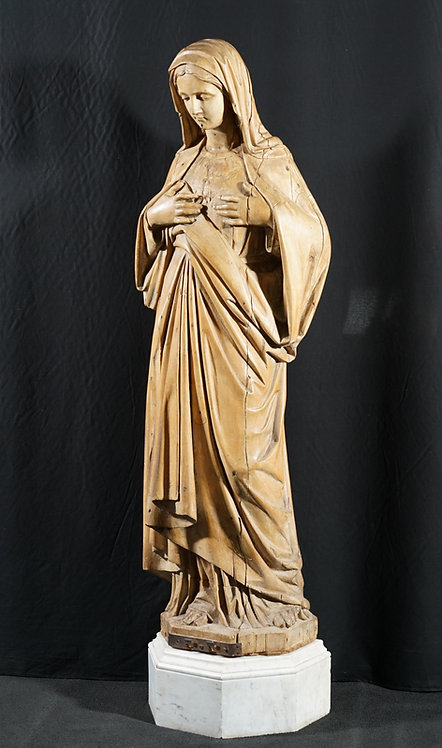 An attractive life size sculpture of the Virgin Mary, 18th century (Q61)
