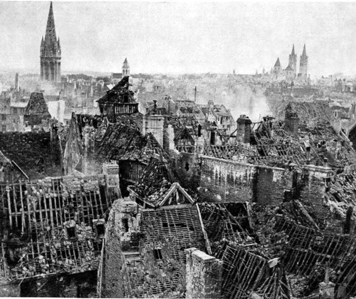 Caen_in_ruins @auteur inconnu Domaine public