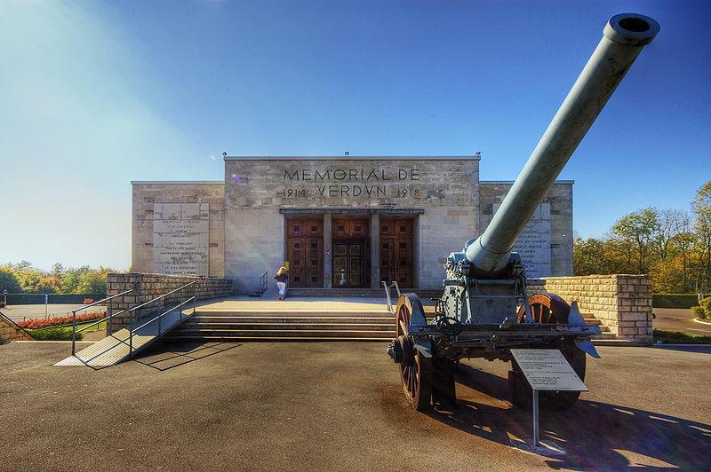 Mémorial de Verdun Licence CC @Wolfgang Staudt