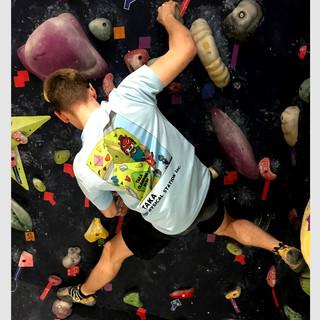 """""""Climbing Namahage"""" T-Shirt print. (「登るなまはげ」Tシャツプリント)"""