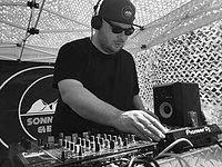 Relay Ab-Dri DJ