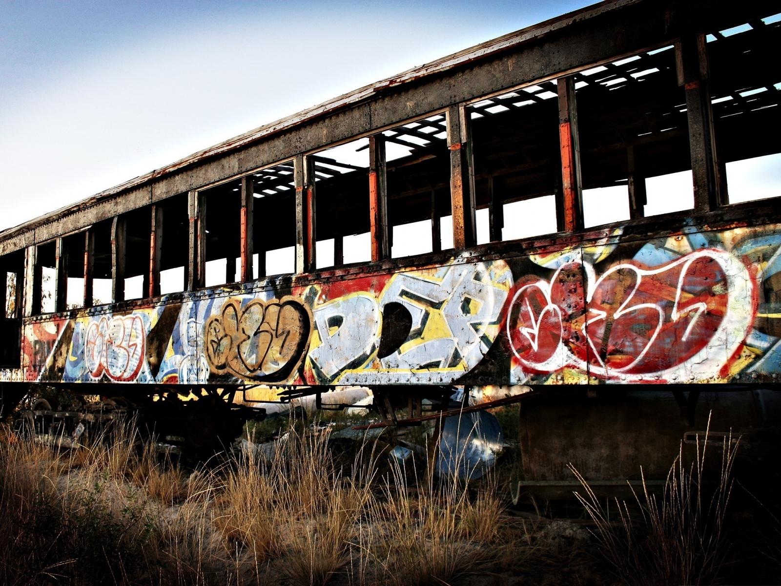 Trains Graffiti_1.jpg
