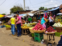 LRM_EXPORT_20170916_mercado_near_terminal_roberto_huembes_managua_nicaragua (2)