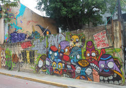 Casco Viejo graffiti