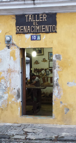 Refinishing shop in Antigua