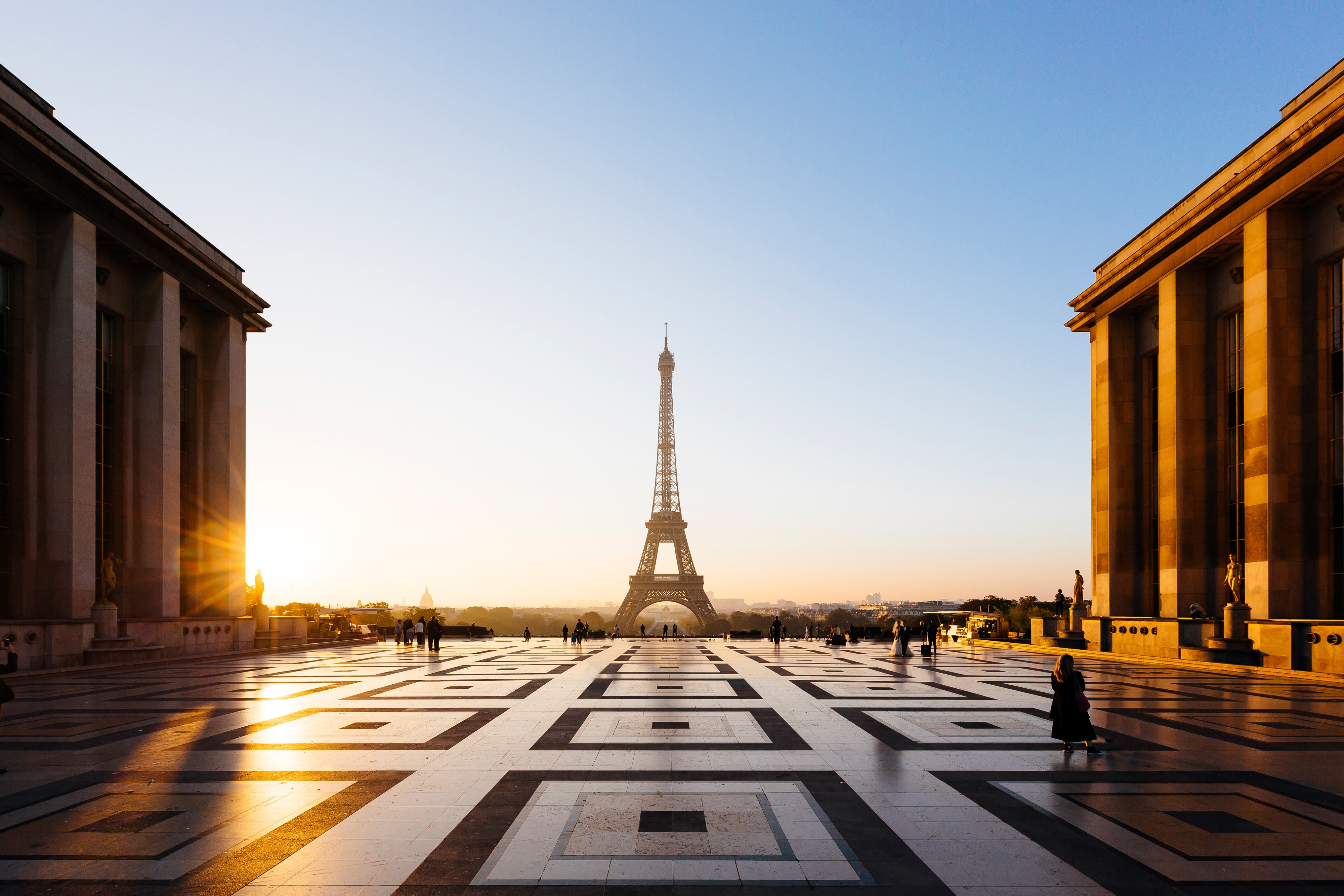 Eiffel-Tower_GettyImages-1060266626