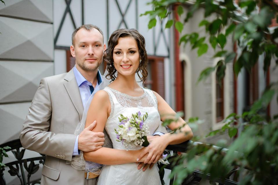 свадебная фотосессия в интерьерах отеля, фотограф в СПб.jpg
