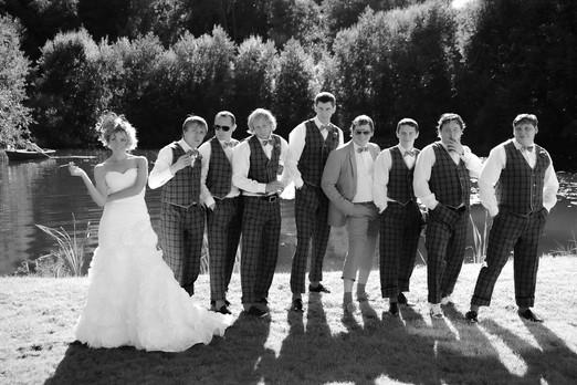 Фотограф на свадьбу СПб, фотосессия за городом для молодоженов и гостей.