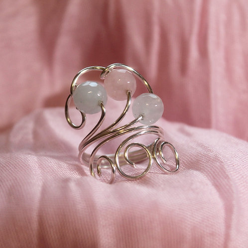 ADJUSTABLE TRANSLUCENT MORGANITE RING  019-1