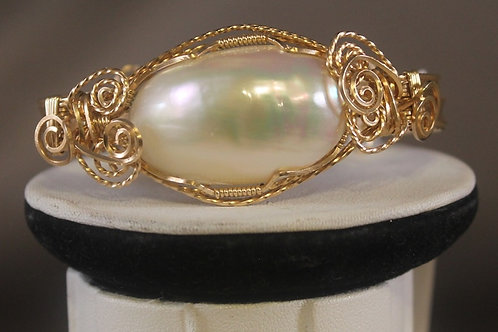 Front View MABE'  PEARL BRACELET   B13