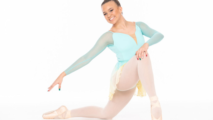 Poses for Dancers New to Pointe