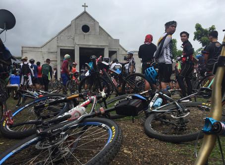 Bisikleta Iglesia Turns Cycling to Prayer
