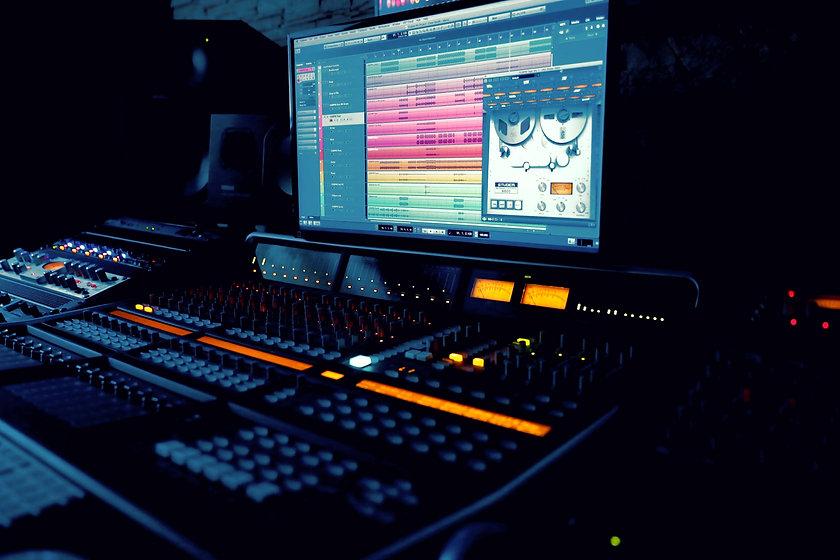 Music%20Equipment%20_edited_edited.jpg