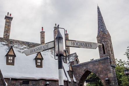 Hogsmeade-and-Hogwarts-Visiting-Harry-Po