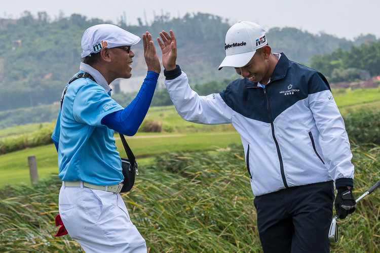 Golf 4 - High Five by Thai Coach Thavorn