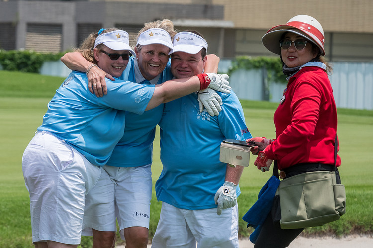 Golf 3 - Cheerign Hugs by Swedish Guardi