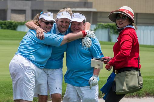 Golf 3 - Cheerign Hugs by Swedish Guardi
