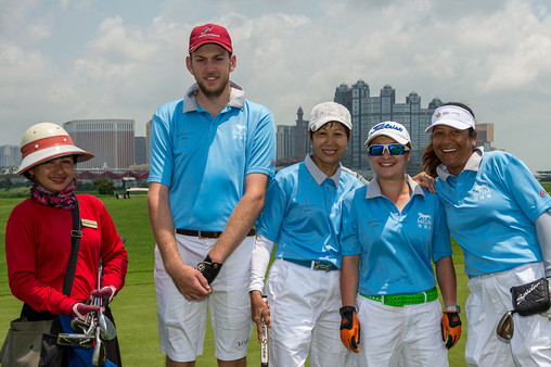 Golf 13 - Guardians Nina Soriano and Mar
