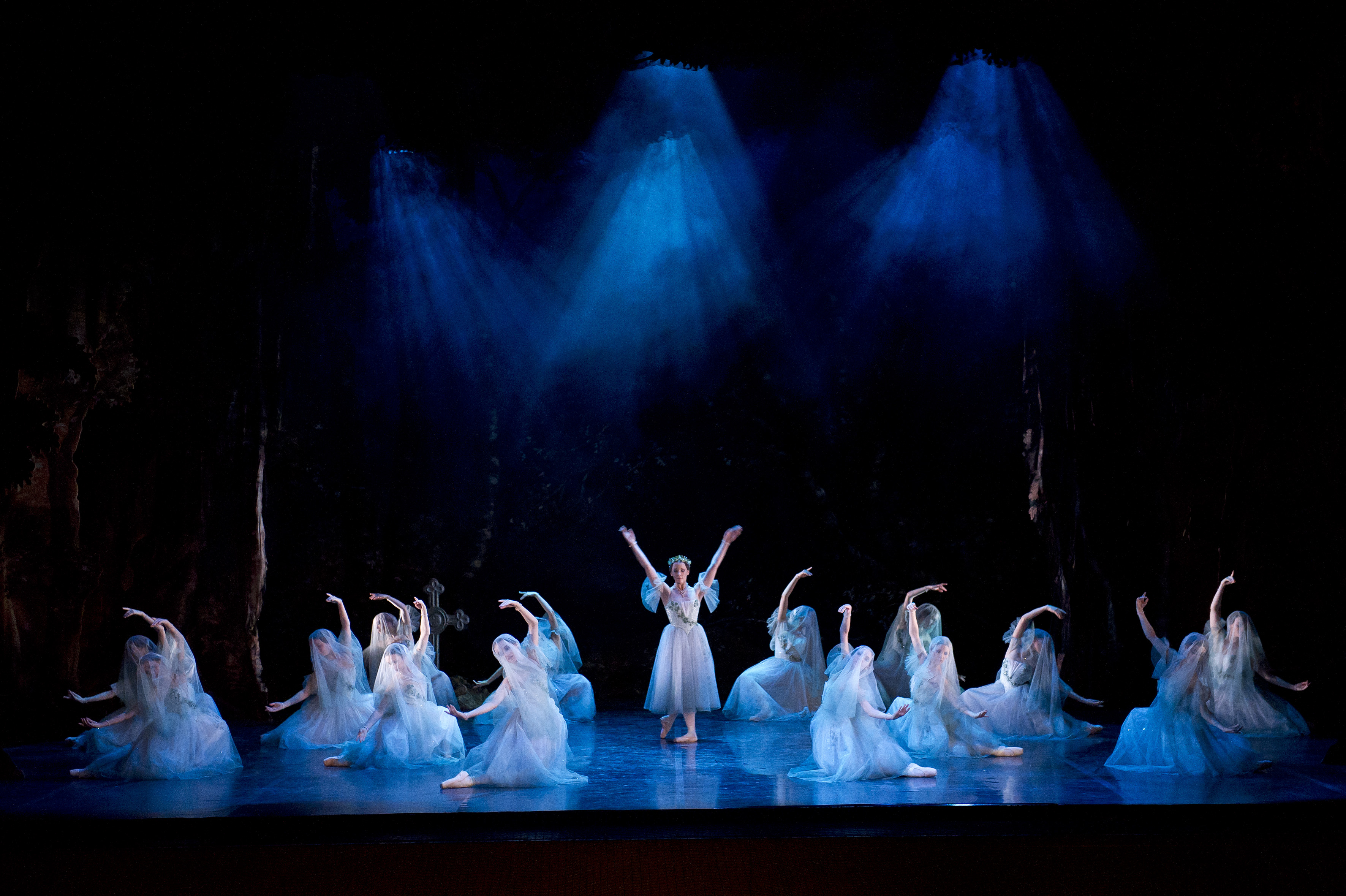 Northern Ballet's Giselle 2011 Photo Bil
