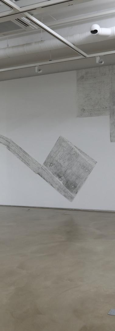민승준, 동인아파트 나선형계단 벽 / 140×140cm / 화선지에 랍묵 / 2019 외