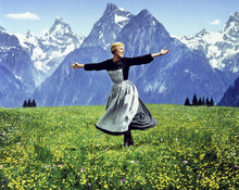 22 Beautiful Behind the Scenes Photos From the Making of 'The Sound of Music' (1965)