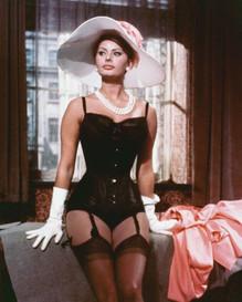 35 Glamorous Photos of Sophia Loren During the Filming of 'The Millionairess' (1960)