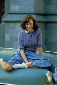 30 Gorgeous Portrait Photos of a Young Lea Thompson in the 1980s