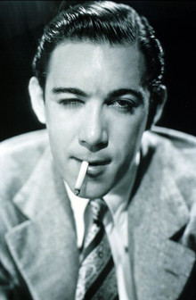 Handsome Portrait Photos of Anthony Quinn in the 1930s and '40s