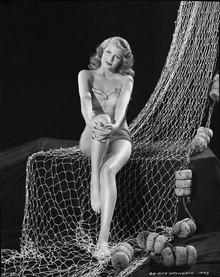 35 Gorgeous Photos of Classic Beauties Taken by Robert Coburn
