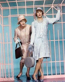 20 Funny Photos of Tony Curtis and Jack Lemmon Dressed in Drag as Josephine and Daphne in 'Some Like it Hot'